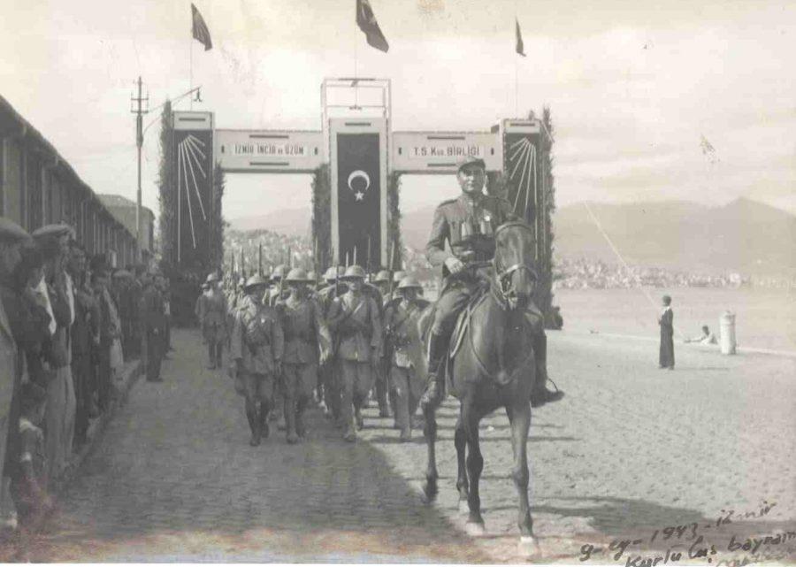 Güzel İzmir'imizin Kurtuluşunun 98. Yıldönümünde Kulübümüz de 12. Yaşına Bastı Kutlu Olsun
