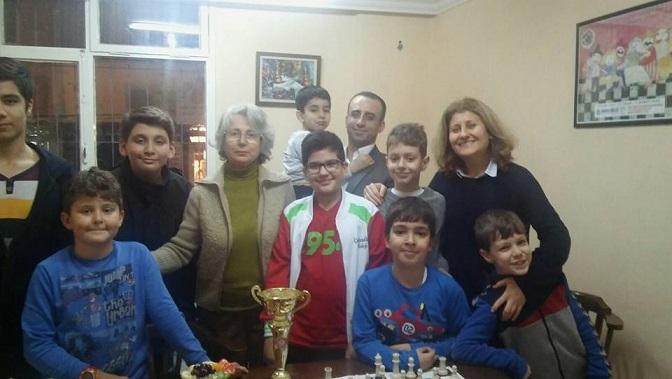 İzmir Emektarlar Turnuvası İkincilerinden Gülen Erden'in Başarısını Kutladık